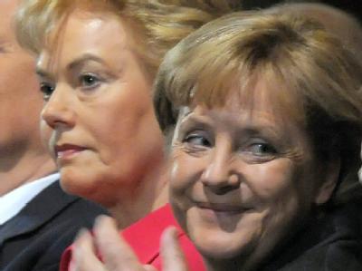 Kanzlerin Merkel und eines ihrer aktuellen Probleme: Der Streit über Vertriebenen-Chefin Erika Steinbach belastet die Koalition.