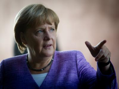 Bundeskanzlerin Angela Merkel möchte keine Spekulationen über eine große Koalition. Foto: Kay Nietfeld/Archiv