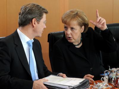 Bundeskanzlerin Merkel hat Außenminister Westerwelle den Rücken gestärkt.