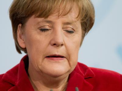 Merkel hatte bis zuletzt an Guttenberg festgehalten.
