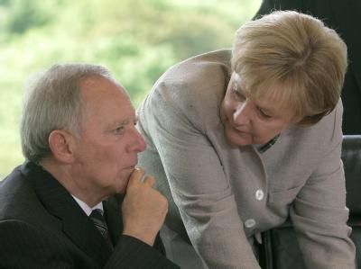 Bundeskanzlerin Angela Merkel und Bundesinnenminister Wolfgang Schäuble. (Archivbild)