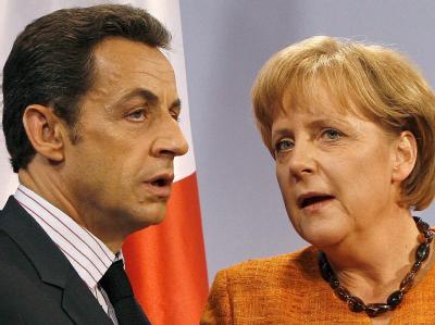 Fordern von Griechenland die zugesagten Reformen bedingungslos umzusetzen: Frankreichs Präsident Sarkozy und Kanzlerin Merkel. Foto: Daniel Karmann/Archiv