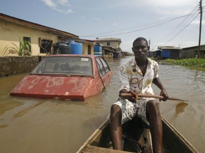 In Nigeria gibt es immer wieder starke Überschwemmungen, wie hier im Oktober 2010 (Archivbild).