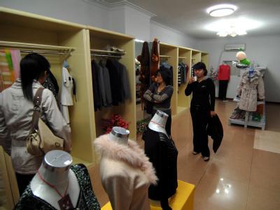 Shopping in der nordkoreanischen Hauptstadt Pjöngjang. Foto: Wu Hong/Archiv