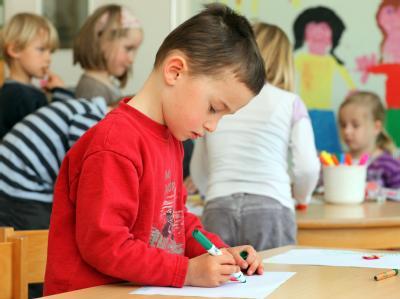 Von August 2013 an haben Eltern einen Rechtsanspruch auf einen Betreuungsplatz, wenn das Kind ein Jahr alt ist. (Symbolbild)