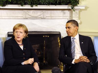 Bundeskanzlerin Merkel hat erst nach ihrer Rückkehr aus Washington mit US-Präsident Obama über den geplatzten Opel-Deal gesprochen. (Archivbild)