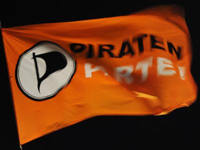 Flagge der Piratenpartei Foto: Angelika Warmuth/Archiv