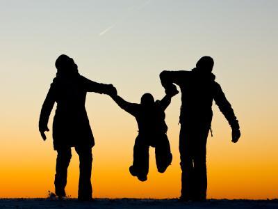 Familienidyll in der Wintersonne: In Deutschland nimmt die Kinderlosigkeit immer weiter zu.