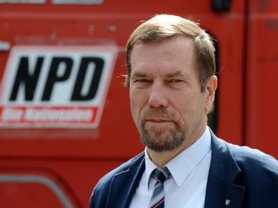 Nach dem Tod des stellvertretenden NPD-Vorsitzenden, Jürgen Rieger, sind wichtige Immobilienakten aus seinem Besitz verschwunden.