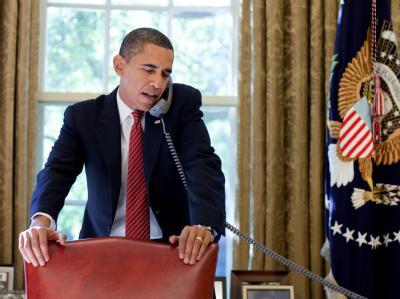 Obama telefoniert mit Karsai