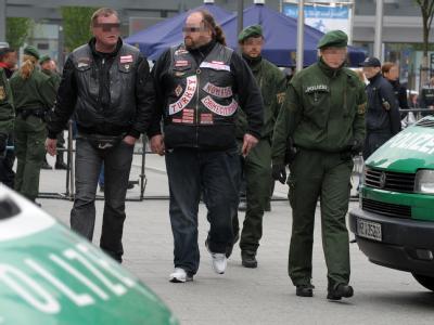 Rivalisierende Rockerbanden beschäftigen immer wieder die Polizei und die Justiz. (Symbolbild)
