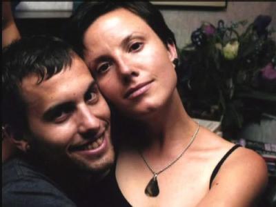 Shane Bauer (l) und Sarah Shourd. Die im Iran seit einem Jahr festgehaltene Amerikanerin ist nun auf freiem Fuß (Archivbild).