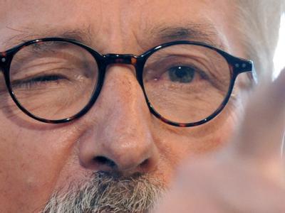 Wegen seiner umstrittener Thesen zur Integrationsfähigkeit von Zuwanderern hatte die SPD im vergangenen Jahr das Ausschlussverfahren gegen Thilo Sarrazin in Gang gesetzt. (Archivbild)
