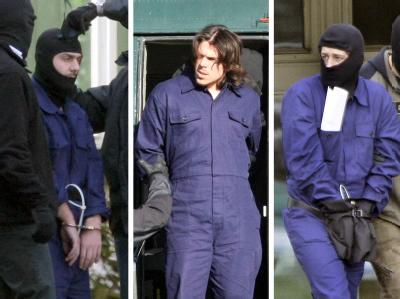 Drei Terrorverdächtige der sogenannten Sauerland-Gruppe werden zum Haftprüfungstermin gebracht (Archivfotos vom 5.9.2007).