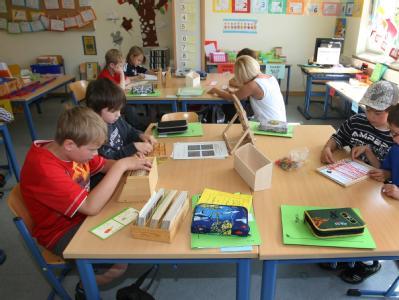 Viele Eltern fordern für ihre Kinder, dass sie bis zur sechsten Klasse gemeinsam in der Grundschule unterrichtet werden.