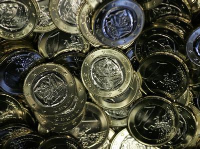 Viele Menschen sind von der Diskussion um den Euro genervt und blenden das Thema lieber aus. Foto: Orestis Panagiotou