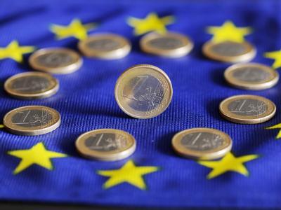 Seit langem streiten die 27 EU-Staaten über eine neue Steuer auf Finanzgeschäfte. Foto: Uli Deck/Archiv