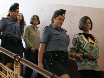 Den russischen Musikerinnen von Pussy Riot drohen drei Jahre Haft. Foto: Sergei Chirikov / Archiv