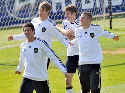 Mario Gomez, Holger Badstuber, Thomas Mueller and Bastian Schweinsteiger beim Training.