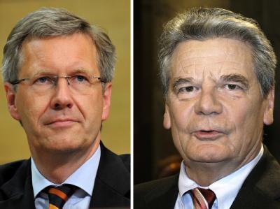 In Umfragen halten mehr Bundesbürger Joachim Gauck (r) für den besseren Präsidenten, doch zugleich wird mit einem Wahlerfolg von Christian Wulff gerechnet.