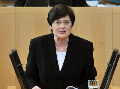 «Nicht verkraftbar» - Thüringens Ministerpräsidentin Lieberknecht hat mit der Ablehnung der geplanten Steuersenkungen im Bundesrat gedroht. (Archivbild)