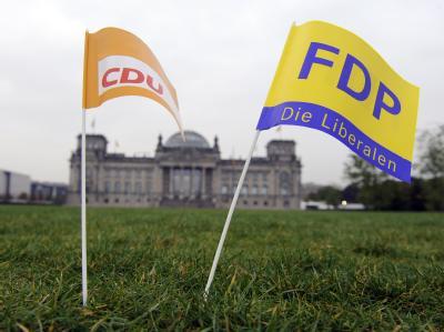 Schwarz-Gelb im Sinkflug: Nach einer aktuellen Forsa-Umfrage würden nur noch 30 Prozent der Befragten derzeit der Union ihre Stimme geben.