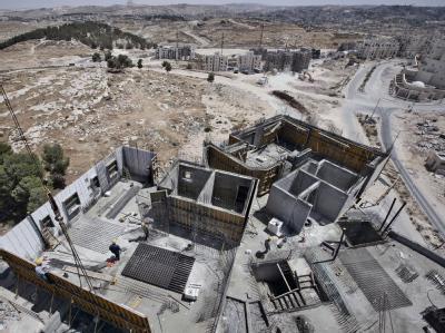 Im Stadtteil Har Homa in Jerusalem entstehen im Sommer 2009 neue Häuser.