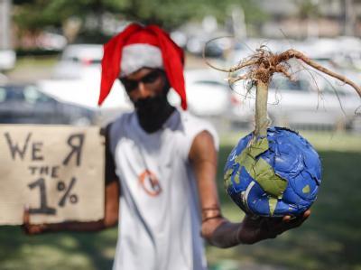 Rettung für den Planeten? Was EU und Umweltminister Röttgen als Durchbruch für einen Weltklimavertrag feiern, sehen Umweltschützer kritischer. Foto: Nic Bothma