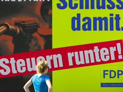 Wann die von der FDP versprochene Steuersenkung kommt, ist ungewiss. (Archivbild)
