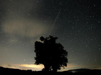 Eine sternenklare Nacht von Samstag auf Sonntag verspricht einen besonders guten Blick auf den Meteorstrom der Perseiden. Foto: Marcus Führer/Archiv