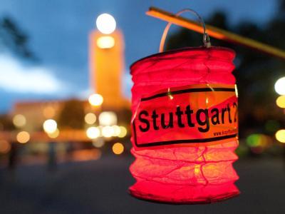 Der Protest gegen das Milliardenprojekt Stuttgart 21 ebbt nicht ab: Die SPD fordert nun, dass die Bürger über das Projekt entscheiden sollen.