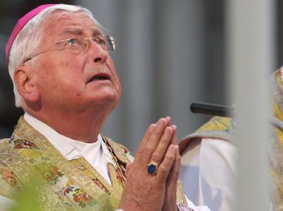 Bischof Walter Mixa zeigt sich reumütig: «Ich bitte um Verzeihung.»