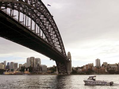 Ein frustrierter Vater hat die berühmte Hafenbrücke von Sydney stundenlang lahmgelegt. (Archivbild)
