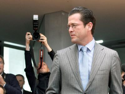 Bundesverteidigungsminister Karl-Theodor zu Guttenberg (CSU) vor dem Kundus-Untersuchungsausschuss des Bundestages.