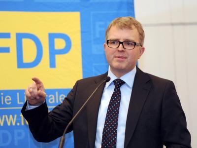 Der designierte FDP-Vorsitzende Christian Lindner will den sogenannten Euro-Rebellen Frank Schäffler in der Partei halten. Foto: Franziska Kraufmann/Archiv