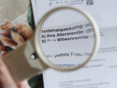 Die Mehrheit der Deutschen wünscht sich vor allem die Sicherung der sozialen Systeme. Foto: Jens Kalaene