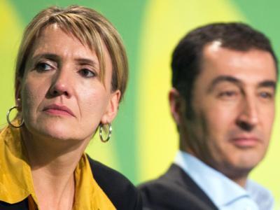 Die neuen Grünen-Bundesvorsitzenden Simone Peter und Cem Özdemir auf der Bundesdelegiertenkonferenz in Berlin. Foto: Michael Kappeler