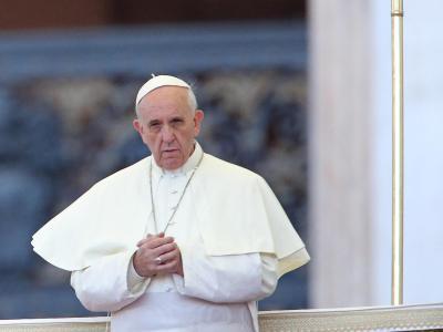 Papst Franziskus trifft umstrittenen Limburger Bischof. Foto: Alessandro die Meo