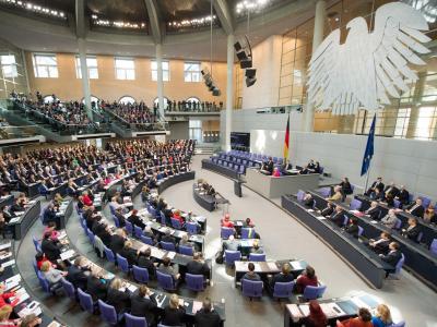 Der Bundestag ist zu der konstituierenden Sitzung des Bundestags im Reichstagsgebäude in Berlin zusammen gekommen. Foto: Maurizio Gambarini
