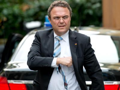 Bundesinnenminister Hans-Peter Friedrich fordert eine Entschuldigung der USA. Foto: Sven Hoppe/Archiv