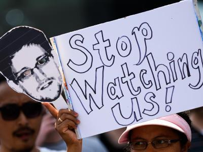 Er lieferte die Daten, nun stellt er Forderungen:Edward Snowden. Foto: Peter Steffen