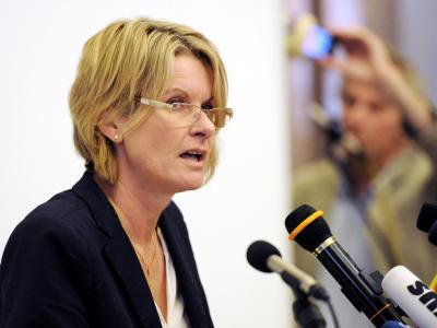 Oberbürgermeisterin Susanne Gaschke erklärt im Rathaus von Kiel ihren Rücktritt. Foto: Carsten Rehder