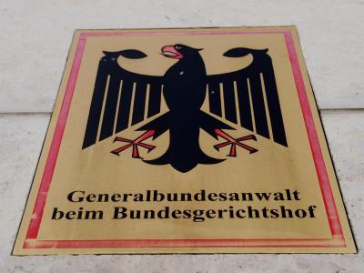 Dienstschild der Bundesanwaltschaft in Karlsruhe. Foto: Uli Deck
