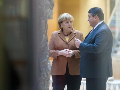 Bundeskanzlerin Merkel zusammen mit SPD-Chef Gabriel vor einer Koalitionsverhandlung in Berlin. Foto: Maurizio Gambarini