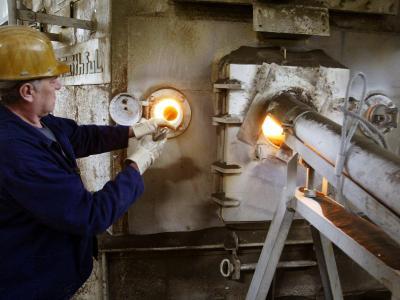 Arbeit im Zementwerk