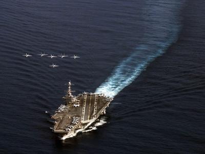 Ein US-Flugzeugträger ist unterwegs ins Notstandsgebiet. Foto: Liam Kennedy/US Department of Defense