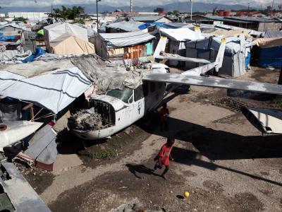 Flüchtlingslager auf Haiti nach Hurrikan «Sandy». Im langjährigen Vergleich von 1993 bis 2012 liegt der karibikstaat auf Platz drei der besonders verwundbaren Staaten, hinter Honduras und Birma. Foto: Orlando Barria