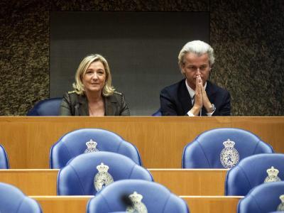 Europas Rechte will die Kräfte bündeln. Marine Le Pen, Chefin der französischen Front National, ist beim niederländischen Rechtspopulisten Geert Wilders in Den Haag. Foto:Valerie Kuypers