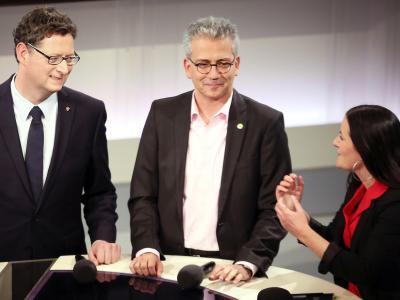 SPD-Landeschef Schäfer-Gümbel, Hessens Grünen-Vorsitzender Al-Wazir und die Fraktionschefin der Linkspartei, Janine Wissler (v.l.). Foto: Frank Rumpenhorst/Archiv