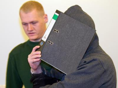 Weil er sich im Jobcenter schlecht behandelt fühlt, greift ein 34-Jähriger zum Hammer und versucht, seine Sachbearbeiterin zu töten. Dafür muss er nun für lange Zeit hinter Gitter. Foto: Peter Endig